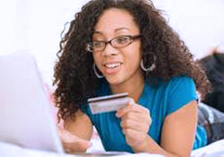 woman shopping online250