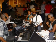 Jason Orr, FunkJazzCafe founder interviewed on RhythmAndSoulRadio.com along with Soul Sistahs Julie Dexter (left) and Dionne Farris at the International Soul Music Summit 2008